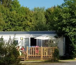 Campingplatz Clos de la chaume: Bungalow in den Vogesen