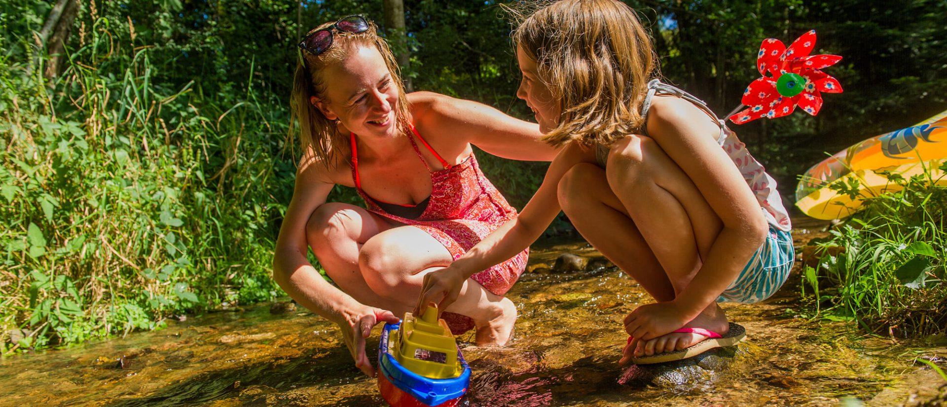 Camping Clos De La Chaume : Camping Avec Ruisseau dans les Vosges